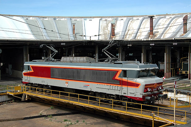 Após muito trabalho de restauro, em 2006 a locomotiva voltou a andar. Foto: APCC 6570